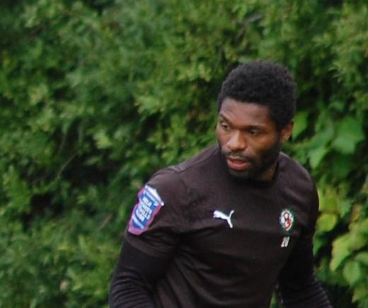 Samuel Wowoah tar över som huvudansvarig tränare  för Karlslunds A-lag.