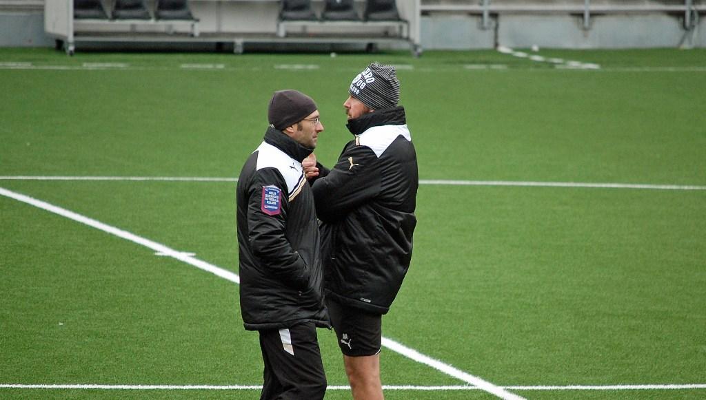 Axén och Ljug har diametralt olika uppfattningar om Hasanis betydelse för laget.