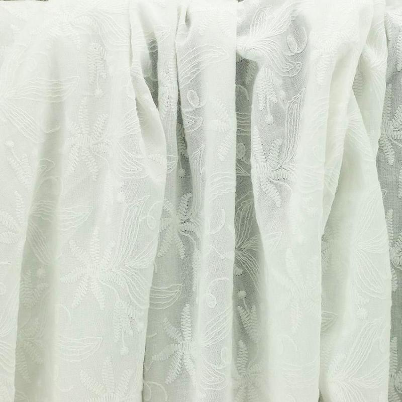 Tissu broderie anglaise Amber Blanc 100% coton © Eyrelles Tissus