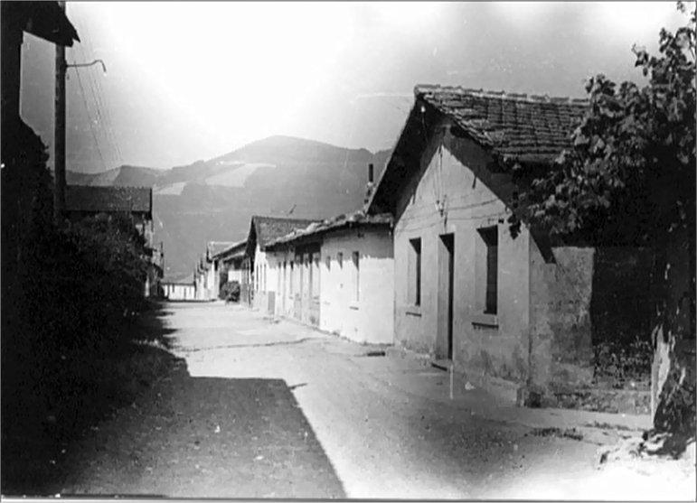 CASAS Y CASERíAS DE BARAKALDO Y ALONSOTEGI (L-LL)