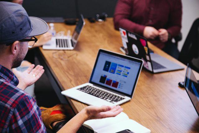 Conheça os custos de ter um time interno de desenvolvimento de software