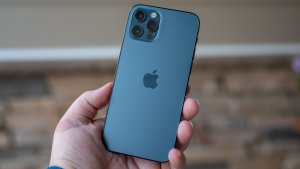 iPhone 12 Pro Review: Everything Old is New Again