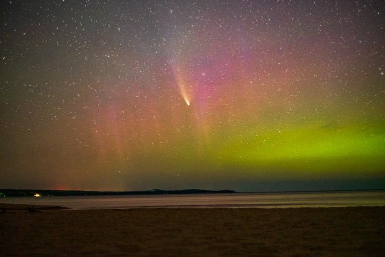 Find Northern Lights in Michigan's UP NOW (2021)