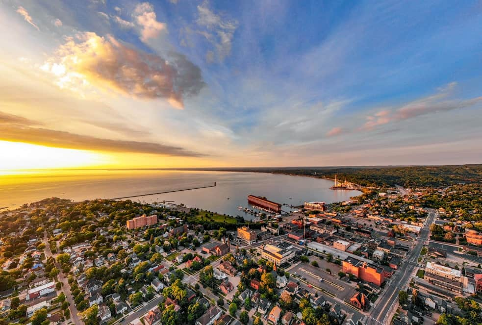 Marquette Michigan Hotels: Marquette's Best Lodging Now
