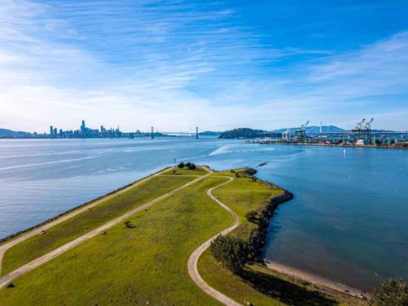 Middle Harbor Shoreline Park