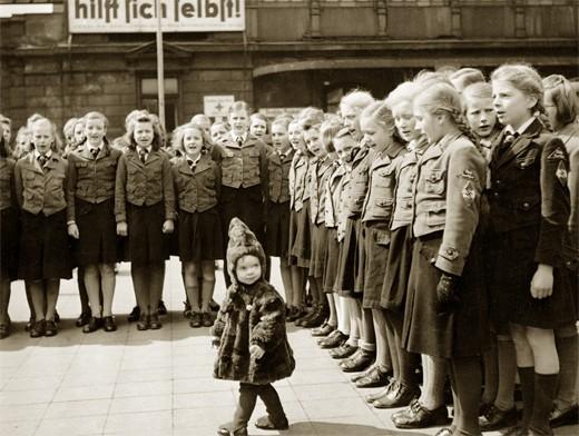 Пропаганда Лебенсборн работала с самого детства