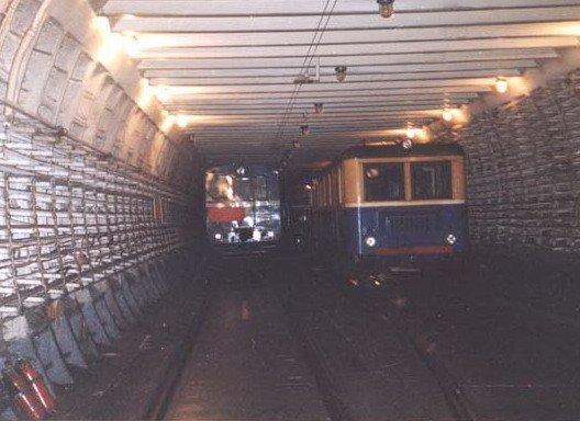 Metro2_trains