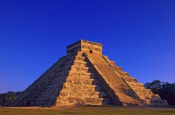 1000 летние пирамиды Майя провалятся под землю