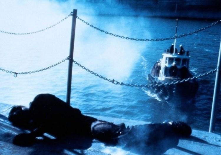 Филадельфийский эксперимент люди застряли в корме корабля