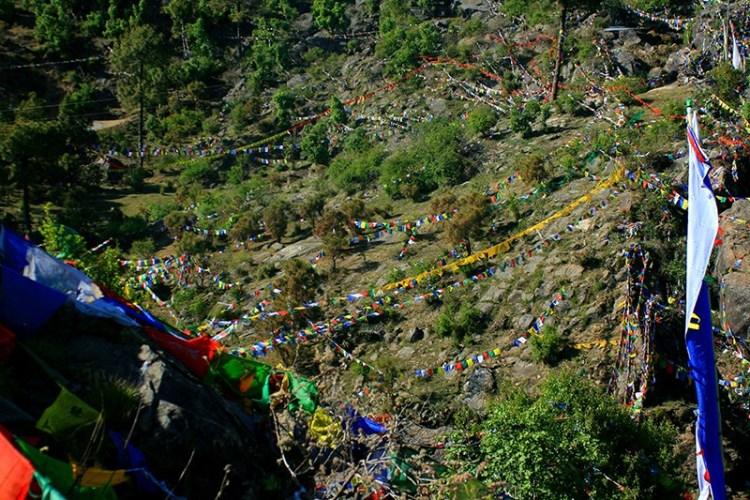 Лунгта - молитвенные разноцветные флаги Тибета. Обзор. Ревалсар
