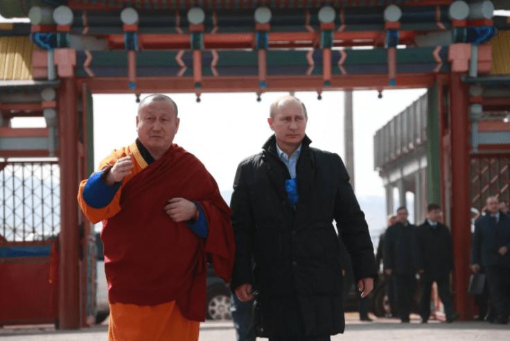Владимир Путин прилетел в столицу Бурятии Улан-Удэ