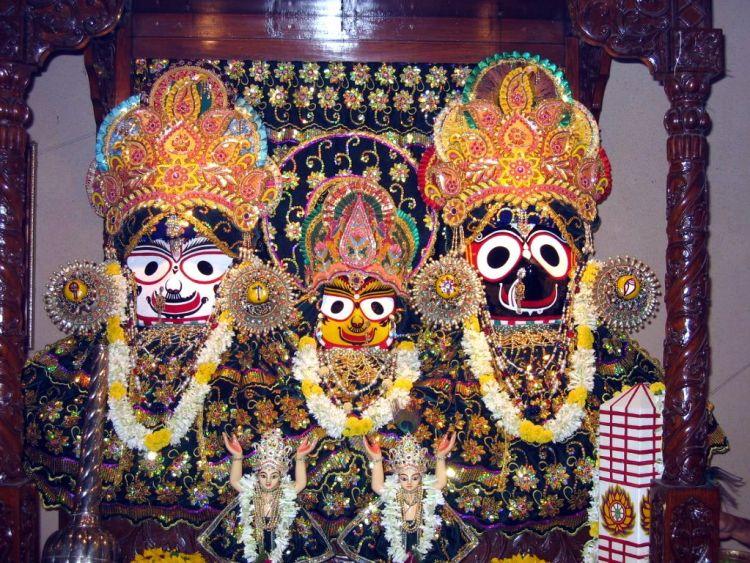 Кобры кришнаиты тройка Кришны