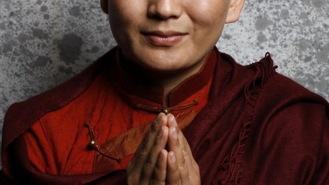 Ани Чоинг Дролма. Монахиня - суперзвезда
