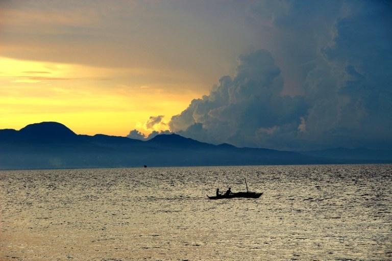 Остров Сикихор в Тихом океане. Колдуны хилеры из Филиппин