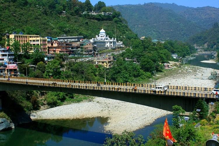 Вид на Гурудвару в Манди