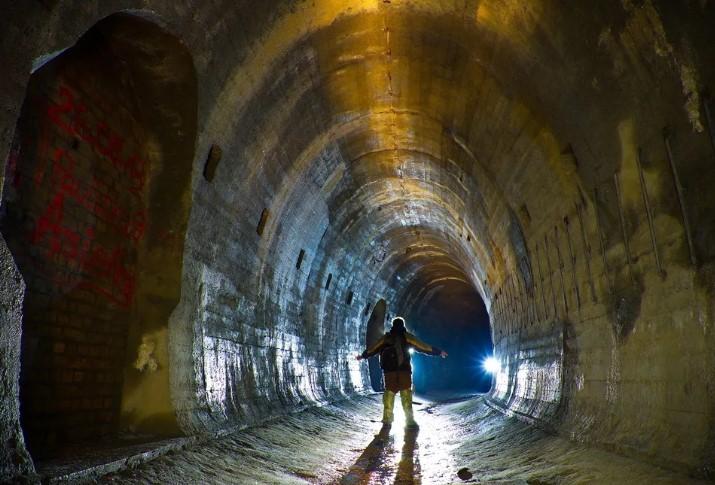 это был рукотворный подземный мир, являющий собой прекрасную реализацию инженерной мысли