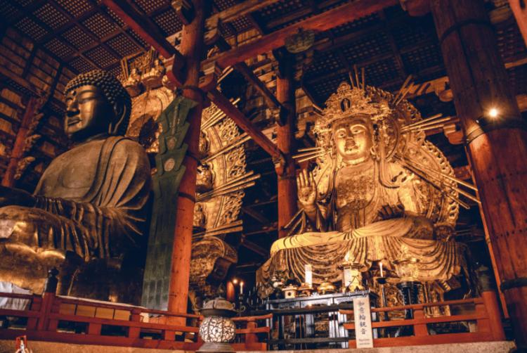 Зал Большого Будды в Японии. Великое сооружение Востока