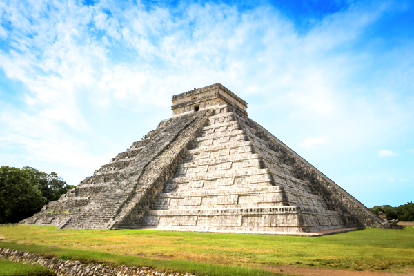 mayan-ruin-chichen-itza-mexico-shutterstock_385217191