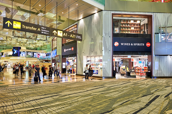 singapore-changi-airport%e4%bb%85%e9%99%90%e7%bc%96%e8%be%91%e7%94%a8%e9%80%94shutterstock_463304930