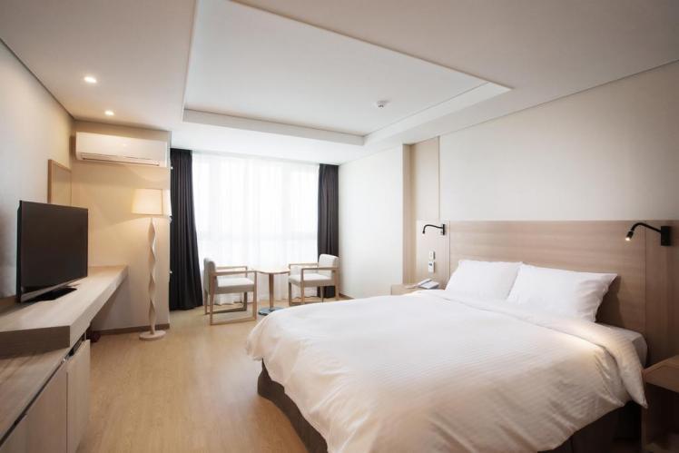 釜山皇冠中港酒店