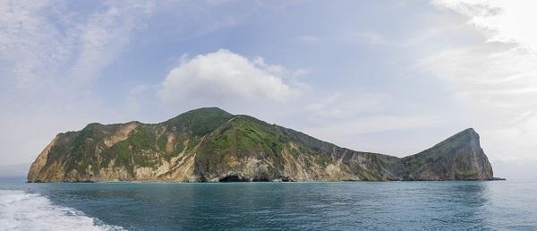 Hiking and sight seeing at Guishan Island