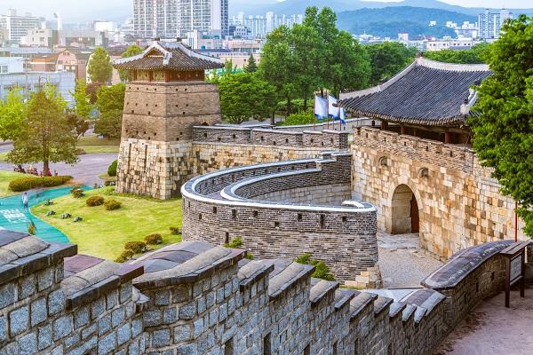 shutterstock_731940217_水原華城
