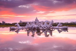 Twilight,Cloudy,Scenery,Of,The,Apollo,Fountain,Plaza,In,Chimei