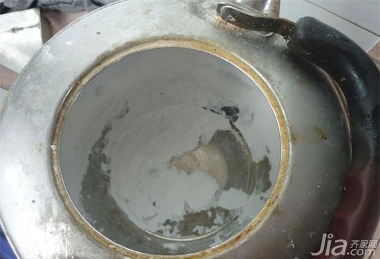 水垢這麼厚怎麼去 媽媽說電水壺水垢去除太簡單了·~電水壺用的時間久了就會有很多水垢無法去除長時間下去 ...