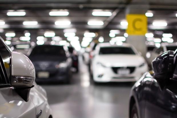 newark airport parking rates