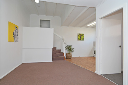 Roomy-lounge-area-with-high-ceilings-Mayfield-East-lowres-1
