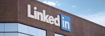 LlinkedIn logo on the LinkedIn building for LinkedIn online training course at EzyLearn