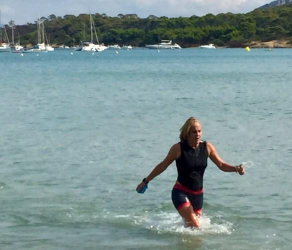 Triathlon de Porquerolles-sortie de l'eau