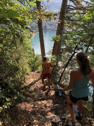 Roc de Chère - descente vers le lac