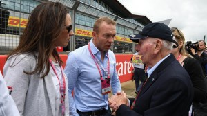 Chris Hoy (GBR) and wife Sarra Kemp (GBR) on the grid with John Surtees (GBR) at Formula One World Championship, Rd10, British Grand Prix, Race, Silverstone, England, Sunday 10 July 2016. © Sutton Images