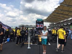 pic-2 Grid girl at Formula One World Championship, Rd16, Malaysian Grand Prix, Race, Sepang, Malaysia, Sunday 2 October 2016. © Renault Sport F1 Team