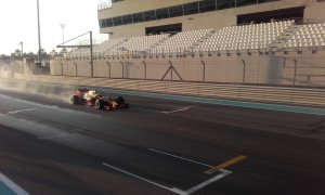 pic-3 / EIGHTH TEST WITH RED BULL RACING: Pierre Gasly tests pirelli 2017 wider wet tyres at Yas Marina Circuit, Yas Island, Abu Dhabi, United Arab Emirates, THE WIDER TYRES FOR 2017 SEASON