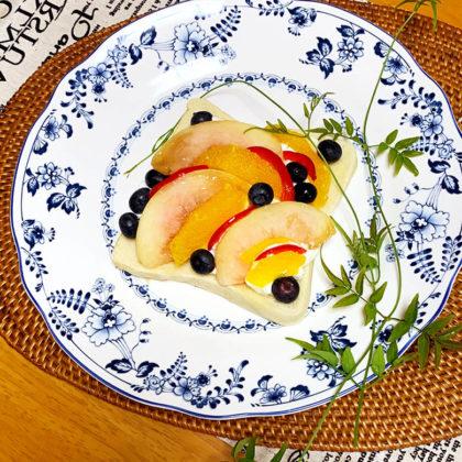 桃とオレンジのオープンサンド