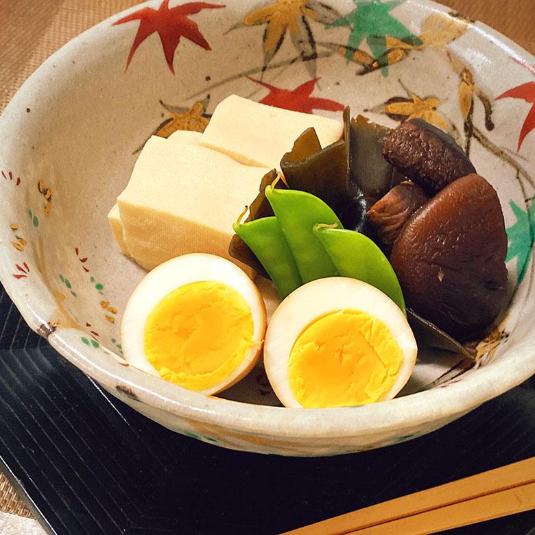 高野豆腐と干しシイタケ、煮卵の炊き合わせ