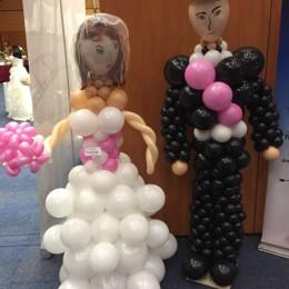 Nevěsta a ženich z balonků