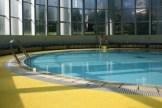 幼児用プール:水深60cm、面積78.5m2、水温約30度