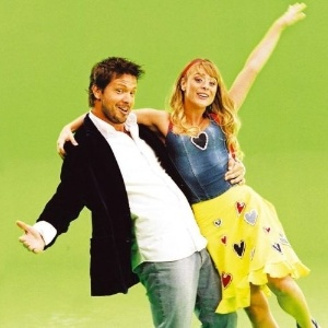 "2006 - Os atores Mário Frias e Juliana Silveira em ""Floribella"" da TV Bandeirantes"