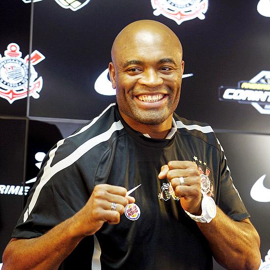 """Anderson Silva está cotado para ser um dos """"tutores"""" do reality show de UFC"""