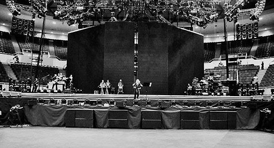 Madonna publica foto de ensaio de nova turnê