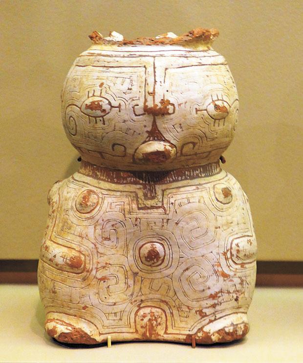 Peça de cerâmica Marajoara brasileira no Museu de História Natural de Nova York, EUA. (Nova York, EUA, 20.08.2014