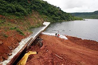 Barragem Algodões 1 se rompeu e alagou Cocal da Estação (PI); pelo menos uma pessoa morreu e outras cem estão desaparecidas
