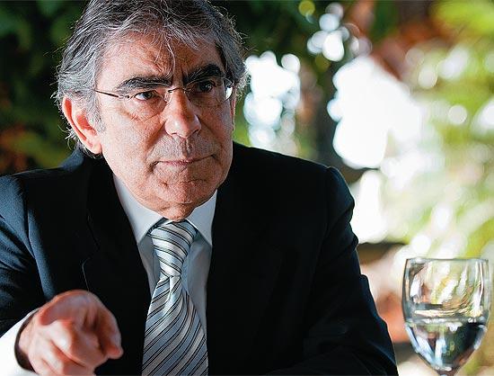 O ministro do STF Carlos Ayres Britto, durante entrevista, em Brasília