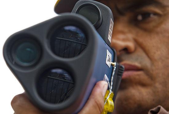 1207944 - Motocicletas estão na mira dos radares-pistolas em SP