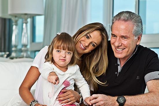 Roberto Justus, 56, a mulher, Ticiane Pinheiro,34, e a filha do casal, Rafaella, 2