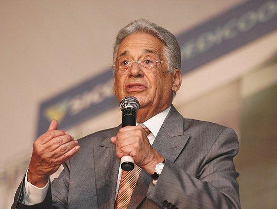 O ex-presidente Fernando Henrique Cardoso (PSDB) afirmou que o ministro Joaquim Barbosa, do STF, não é salvador da pátria