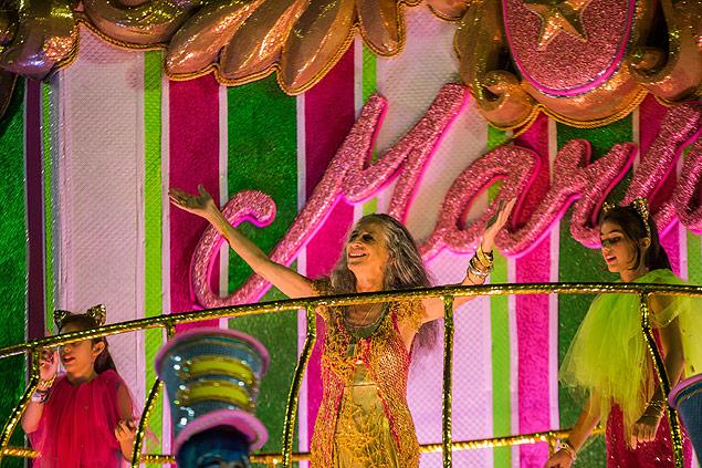 16041358 Mangueira é campeã do carnaval 2016 com homenagem a Bethânia